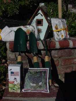 Mary Lake Thompson Birdhouse Gift Basket